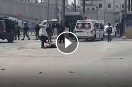 شاهد : الفتاة التي أطلق عليها النار قبل قليل على حاجز قلنديا شمال القدس بذريعة محاولتها تنفيذ عملية طعن