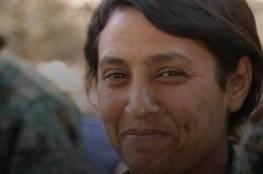 عفرين : فيديو مروّع للتمثيل بجثة مقاتلة كردية