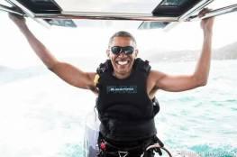 بالفيديو: أوباما يمارس التزلج الشراعي مع ملياردير بريطاني