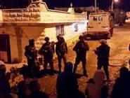 اسرائيل تشن حملة اعتقالات ومداهمات بالضفة الغربية