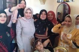 جدة فلسطينية من غزة تتفوق بالثانوية بعد انقطاع 35 عاما
