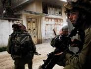 القدس المحتلة :الاحتلال اعتقل 4 مقدسيين بعد مداهمة عدة منازل