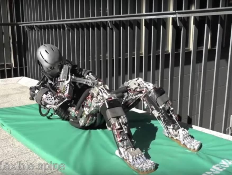 بالفيديو_ روبوت يشبه الإنسان.. يقوم بتدريبات بشرية ويفرز العرق!