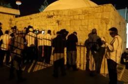 نابلس: إصابة شاب واعتقال آخرين خلال اقتحام مستوطنين قبر يوسف