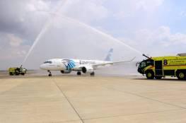 طائرة مصرية تصل إلى تل أبيب تمهيداً لتسيير رحلات منتظمة بين البلدين