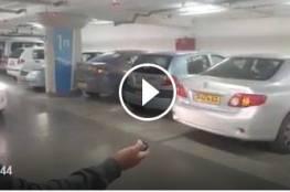 """شاهد  """"كونترول"""" الذي يفتح كل انواع السيارات ،وقد ضبط من قبل الشرطة."""