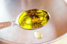فوائد مذهلة لقطرتين من الزيت في الماء