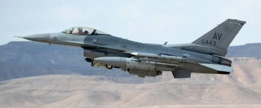 n-ISRAEL-F-16-large570