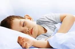 اهتمام الوالدين يزيد من مقاومة الأطفال للنوم