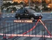 الاحتلال يغلق باب العامود وعدة احياء في القدس الأحد