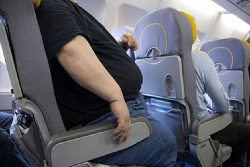 البدناء-في-الطائرة