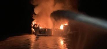 مأساة في كاليفورنيا.. 25 جثة متفحمة و9 مفقودين بأعماق المحيط