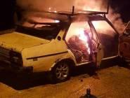 جريمة في بيت لحم : 3 شبان يحرقون والدهم داخل سيارته وهذا هوا السبب؟؟