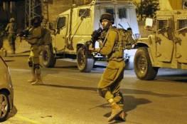 حملة اعتقالات للاحتلال بالضفة ومصادرة مركبة ومبالغ مالية