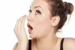 ما أسباب رائحة الفم الكريهة؟