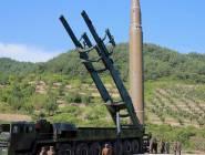 كوريا الشمالية تحرك صاروخا باليستيا إلى ساحلها الغربي