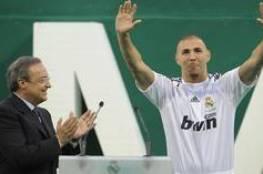 ريال مدريد يجدد عقد مهاجمه بنزيما
