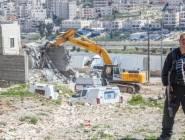 طواقم بلدية الاحتلال تهدم منزلاً بالقدس المحتلة وجنوده يعتقلون عدداً من الفلسطينيين