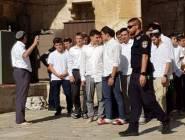 القدس : 92 مستوطنًا يُدنسون باحات الأقصى صباح اليوم