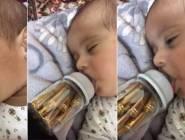 طفل يرضع الرصاص يُشعل مواقع التواصل!