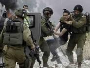 قوات الإحتلال تعتقل 12 مواطناً من الضفة الغربية فجر اليوم