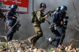 """""""التجمع الإعلامي"""" يطالب بالإفراج عن 25 صحفيًاً من سجون الاحتلال"""