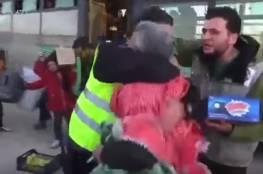 فيديو|سائق سوري يلتقي شقيقه صدفًة بعدما اخبروه أنه قتل في حلب