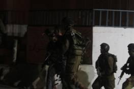 مداهمات واعتقالات تطال 15 مواطناً بالضفة