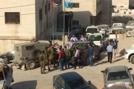 يطا: الشرطة والمواطنين يطردون جيبا لجيش الاحتلال بعد مطاردته مركبات الشرطة