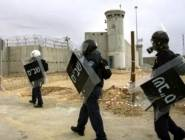 إدارة عسقلان تخضع المضربين لمحاكمات داخلية وتفرض عليهم عقوبات