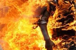 العراق : تنظيم داعش يحرق عائلة عراقية مكونة من 5 أشخاص بينهم رضيع