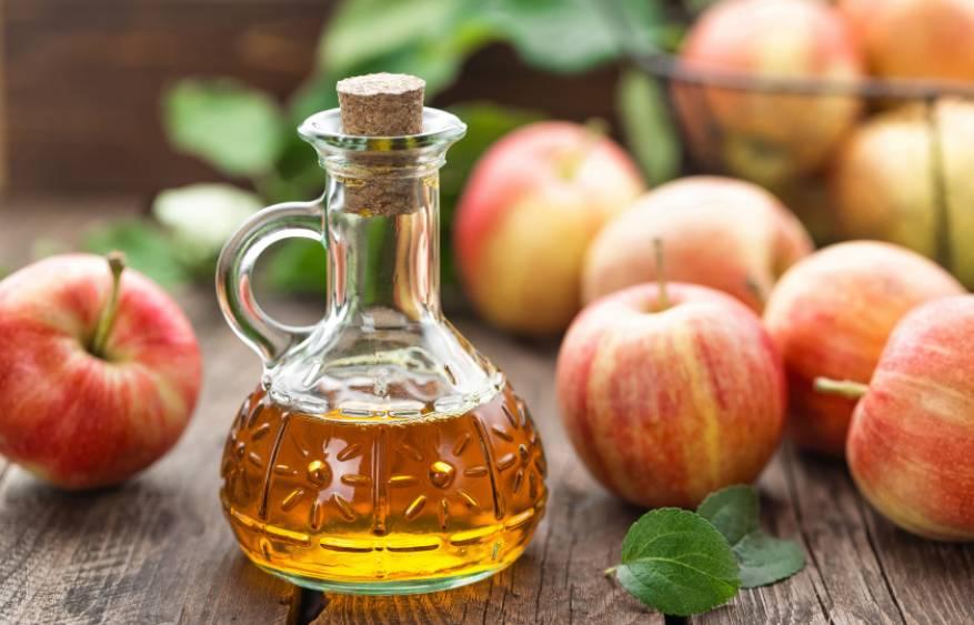 apple-cider-vinegar-royalty-free-image-614444404-1533158045-840x540