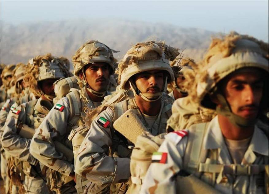 ضابط يمني يؤكد أسر عدد كبير من جنود التحالف