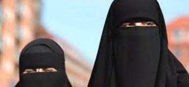 استاذة بالأزهر تطالب بحظر النقاب وتؤكد أن لا علاقة له بالإسلام