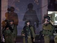 جيش الإحتلال يصادر و يغلق محلات حدادة في بيت لقيا