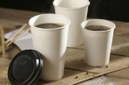 ماذا يحدث لجسمك عند تناول الشاي والقهوة بأكواب ورقية؟
