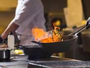 أطعمة تشكل خطراً إذا لم تطبخ جيداً