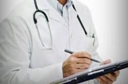 منح هوية اسرائيلية لطبيب فلسطيني طمعا بخبرته المهنية في معالجة الأورام