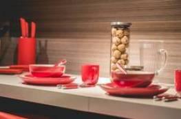 لماذا تناول الطعام في أطباق حمراء قد يساعد على إنقاص الوزن؟