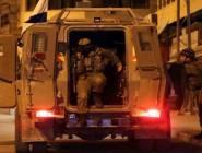 الاحتلال يقتحم بلدة بيت أمر شمال الخليل ويعتقل شابين