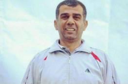 الاحتلال يمدد الاعتقال الإداري بحق القيادي والصحفي نضال أبو عكر