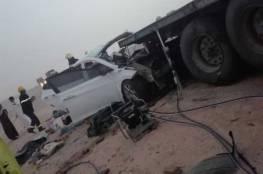 بالصور: رجل شاهد مصرع زوجتة الحامل وإبنائه في حادث سير في السعودية