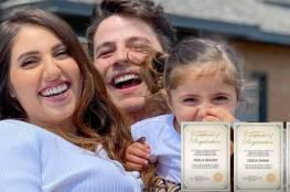 يوتيوبر سوري شهير يقدم لزوجته هدية غريبة