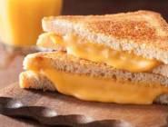 من مسببات السرطان ..الجبنة الكريمي والشيدر