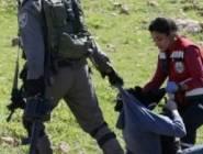 """فلسطين : المسعفة """"نسرين """" تتعرض لهجوم من قبل 6 اشخاص"""
