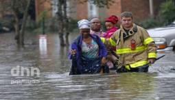 """بالصور: فيضانات """"تاريخية"""" جنوب الولايات المتحدة"""