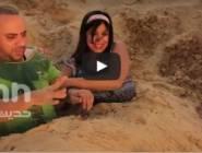 """بالفيديو - تقليد كوميدي لبرنامج """"رامز تحت الأرض"""" يشعل مواقع التواصل!"""