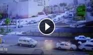 #شاهد : نجاة مواطن أردني باعجوبة بعد ان داهمته حافلة فقط سائقها السيطرة عليها في العقبة