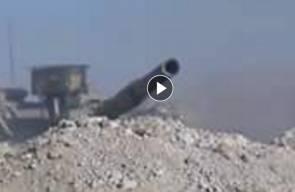 لحظات تحبس الأنفاس.. أمتار قليلة تفصل الثوار عن دبابة للنظام قبل تدميرها