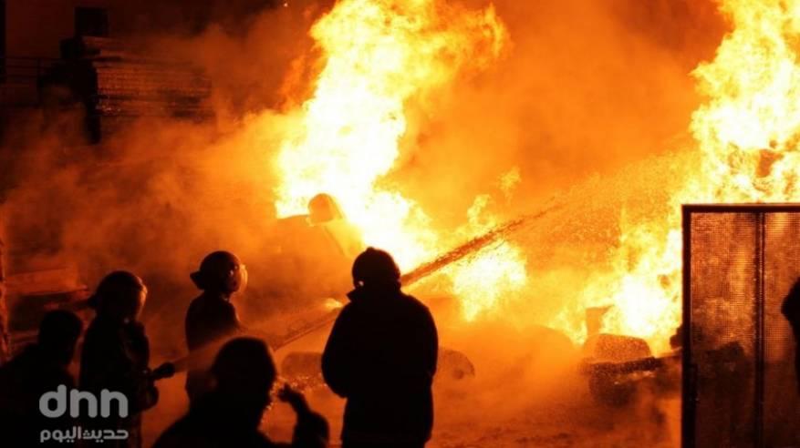 الخليل: اصابة خمسة مواطنين بالاختناق في حريق فجر اليوم
